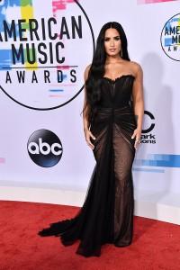 robe de soirée longue noire de amas-alisha-marie-best-dressed21